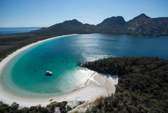 10 Best Places to travel in Australia :