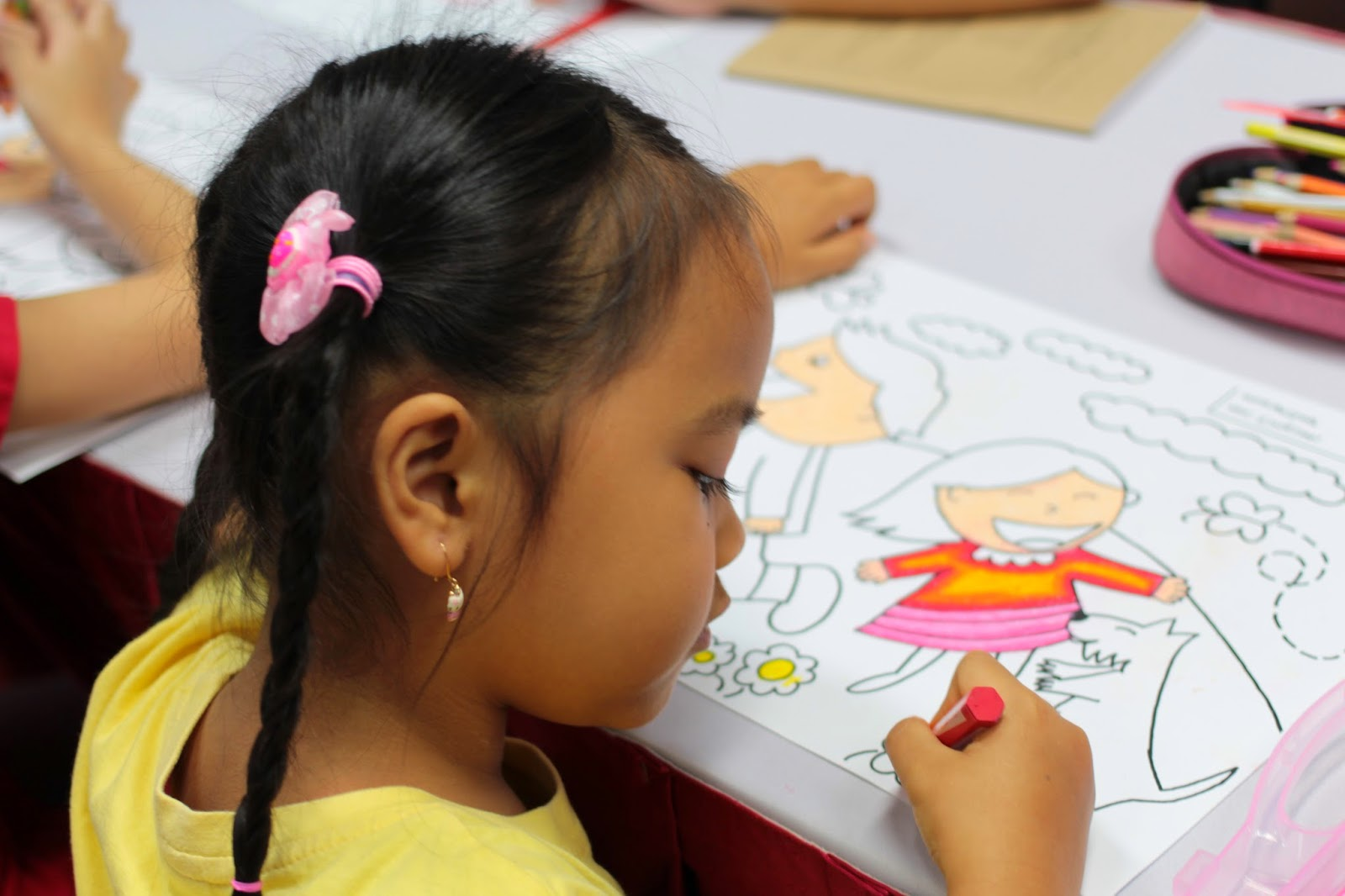 Coloring Competition di Singapura (2/6)