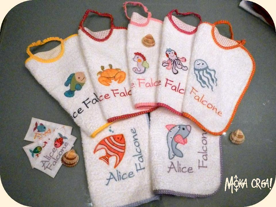 Asciugamani E Bavaglini Personalizzati.Moka Crea Mega Set Coordinato Asilo Per Alice Bavaglini