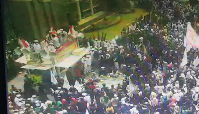 Kelompok 212 Cs Demo di Tengah Pandemi, PSI Salahkan Anies yang Nggak...