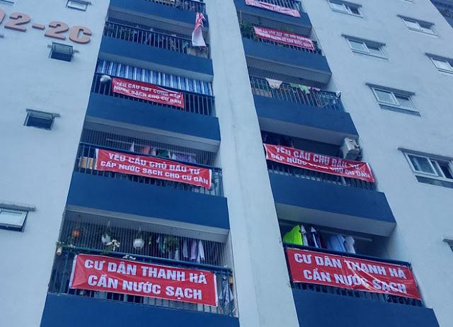 Băng rôn đỏ rực tại khu đô thị Thanh Hà Cienco 5