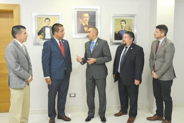 Titular DNCD, jefe regional DEA y agentes especiales sostuvieron una reunión para cooperación internacional