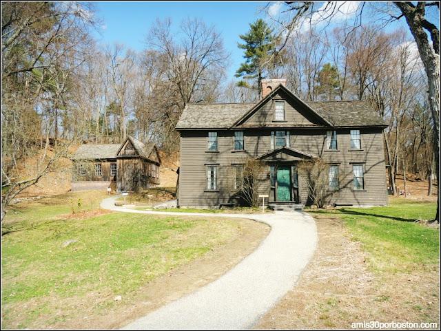 """Casa en la que Vivieron las Protagonistas Reales de """"Mujercitas"""" en Concord"""