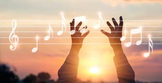 cara menambahkan musik ke canva-2