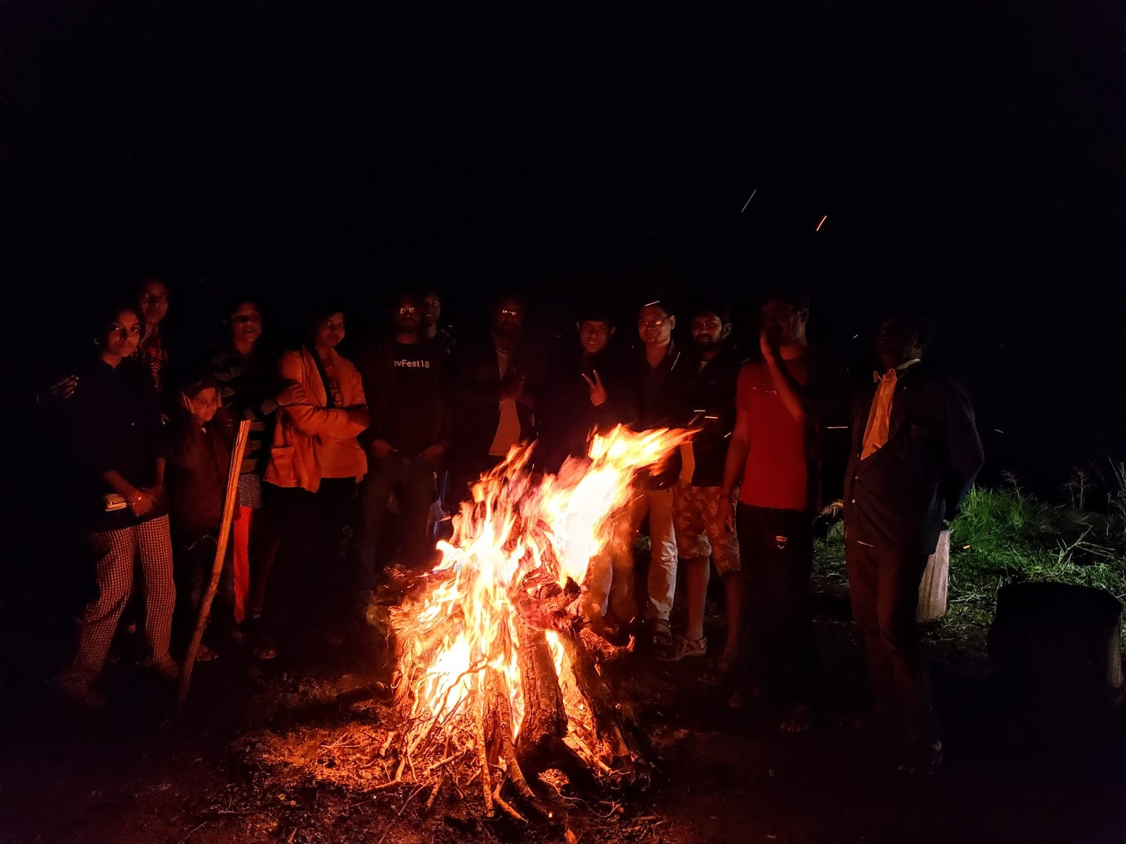Night Bonfire, Pallangi