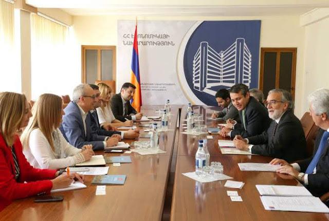 Armenia y Chile discuten lazos económicos