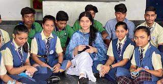 विद्योत्तमा फाउंडेशन द्वारा छात्र छात्राओं को किया गया जागरूक | #NayaSaberaNetwork