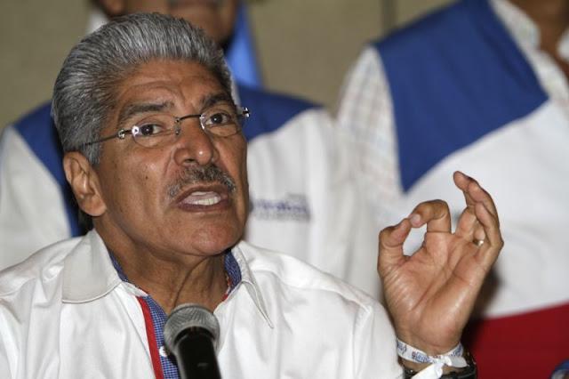 Norman Quijano dice que no es responsabilidad de los diputados construir  escuelas y hospitales