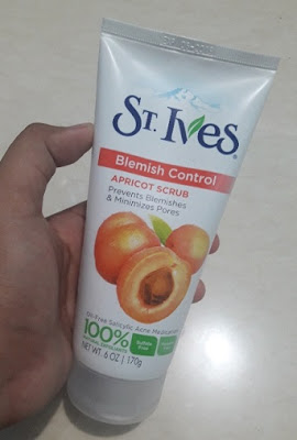 St. Ives Acne Control Apricot Scrub