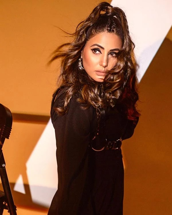 Hina Khan's stylish avatar in all black short outfit is loved by fans.