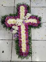 Rangkaian bunga salib surabaya