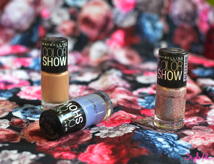 Review of my favorite makeup products and beauty products of which the Maybelline Color Show nail polish range of sand, glitter and top coat is my favorite nail varnish collection