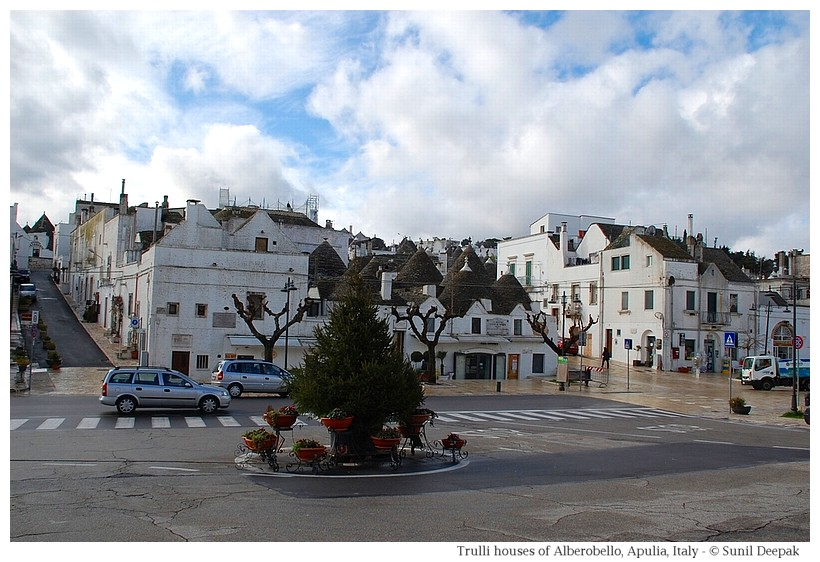 Trulli houses in Alberobello - Largo Martelotta road - Photographs by Sunil Deepak
