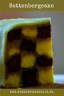 Battenbergcake 2 kleuren cake in dampatroon met marsepein en walnotencrème
