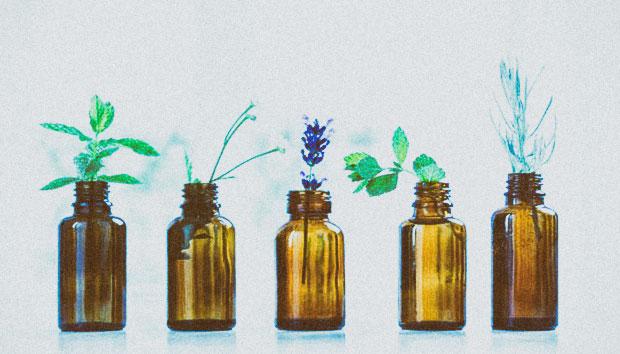 الزيوت الأساسية للشعر: فوائدها وكيفية استخدامها