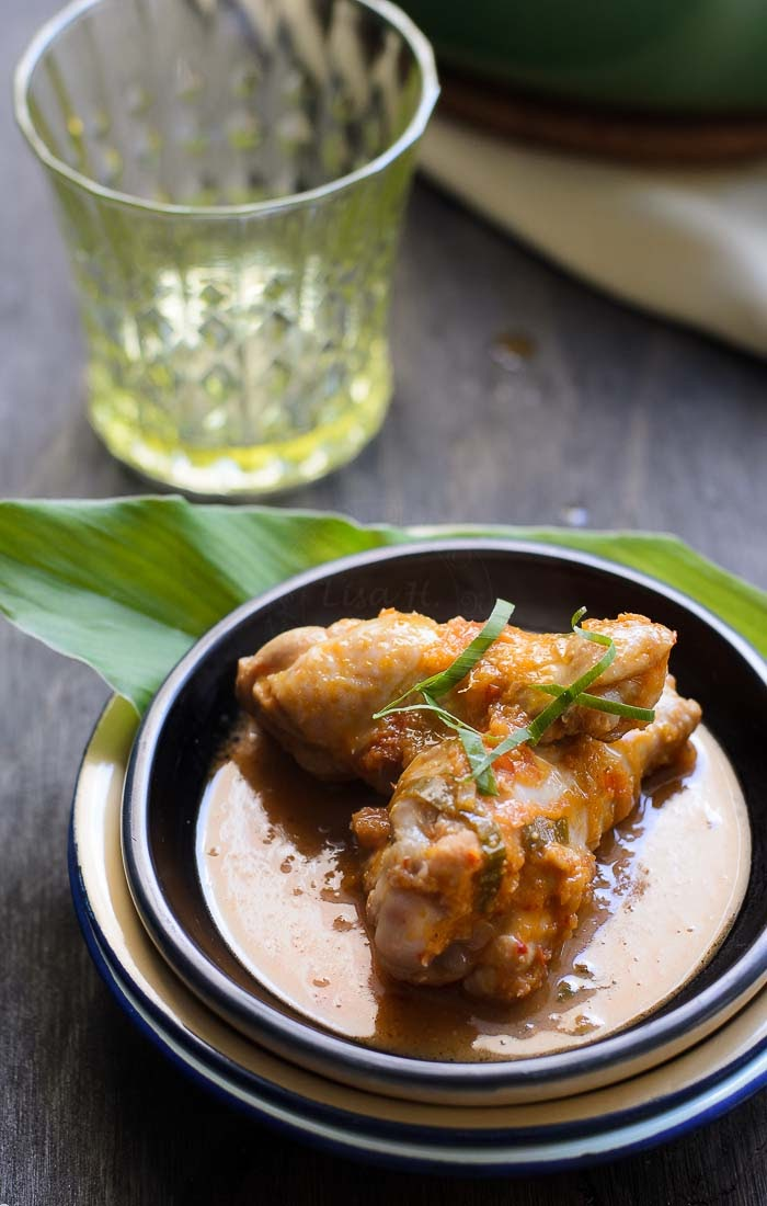 Delicous, spicy chicken rendang