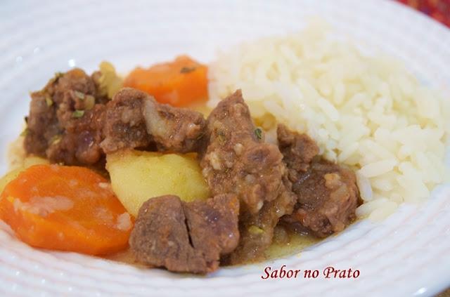 como fazer carne de panela com batata
