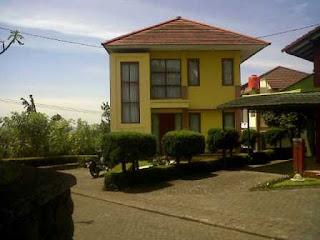 Blok I No 9 Villa 3 Kamar Di Istana Bunga