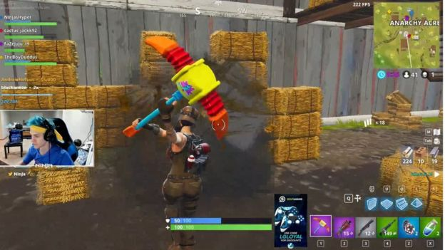 Fortnite: Drake and Ninja's Twitch battle gets huge crowd