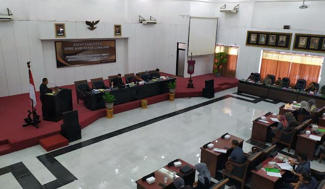 Rapat Paripurna di Kantor DPRD