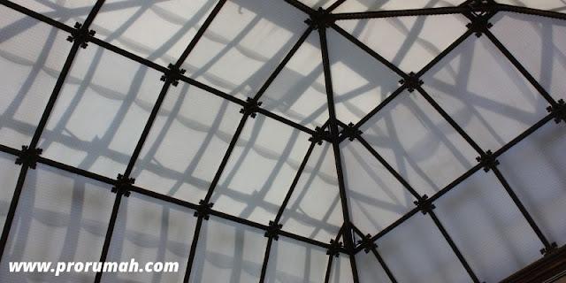 Menggunakan Atap Canopy