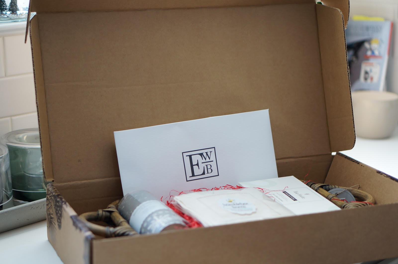 North Carolina style blogger Rebecca Lately shares her Entertaining With Beth December subscription box.  Read more now!