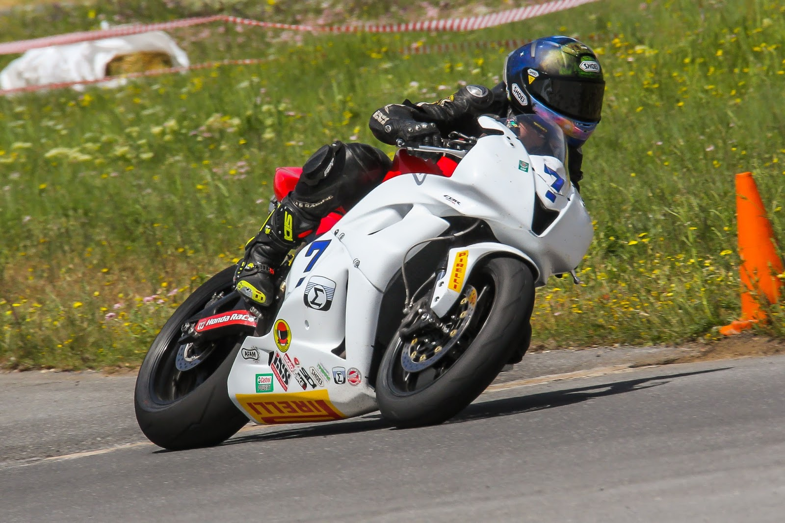 1η και 3η θέση στο βάθρο των νικητών για τους αναβάτες της Honda στην κατηγορία Supersport στον 2ο αγώνα του Πανελληνίου Πρωταθλήματος Ταχύτητας Μοτοσυκλέτας στην Τρίπολη