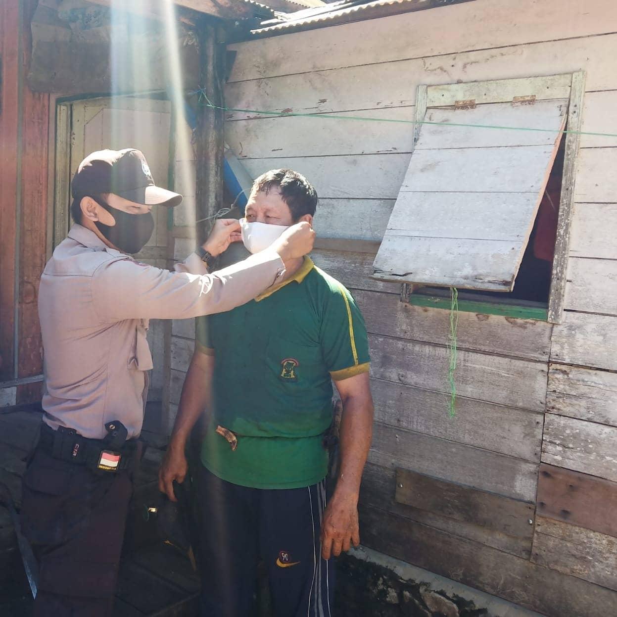 Disiplinkan Masyarakat, Bhabinkamtibmas Desa Putut Tawuluh laksanakan Sosialisasi