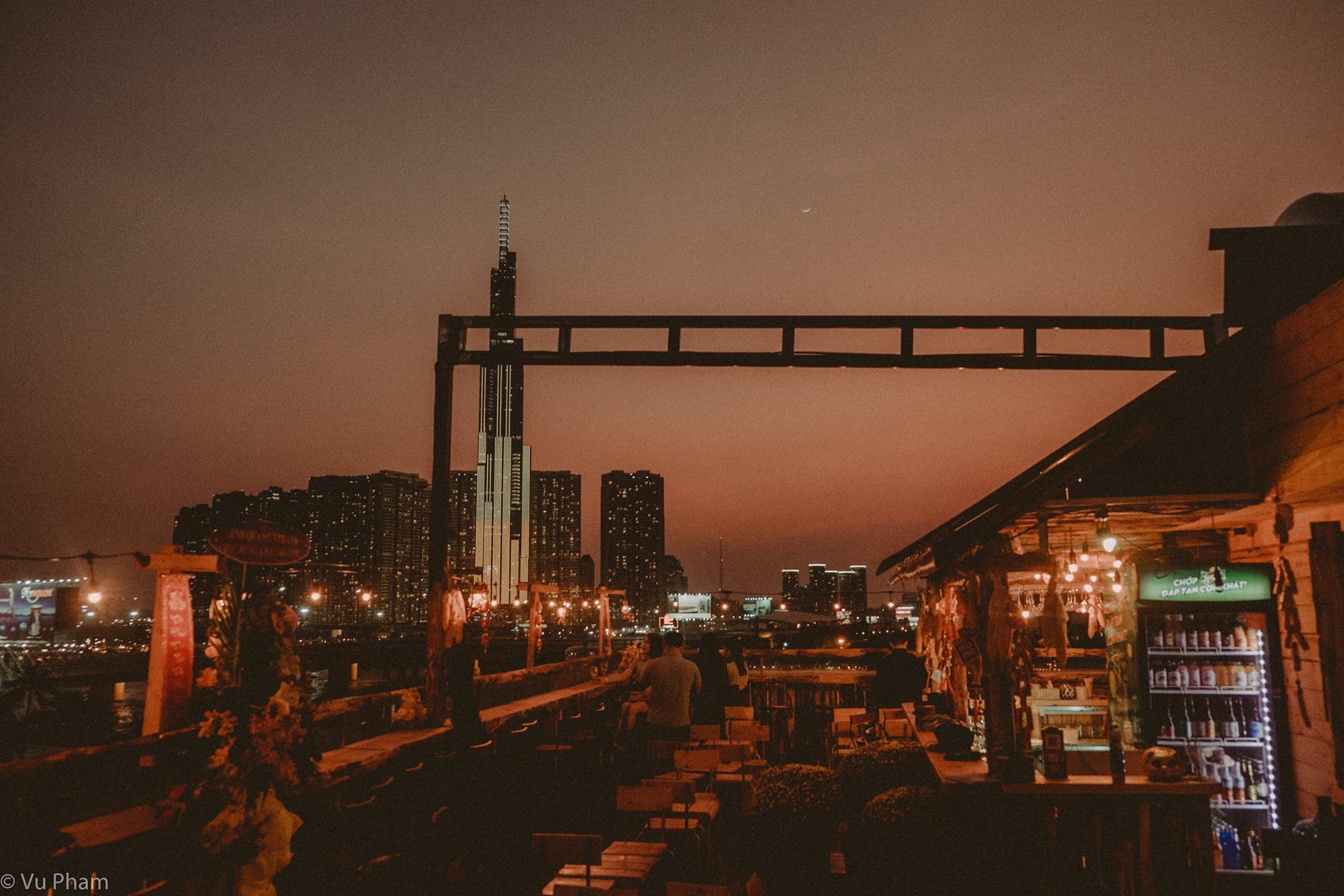 Chênh Vênh Rooftop quận 2