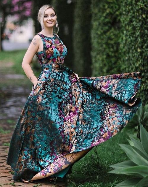 vestido longo estampado para casamento