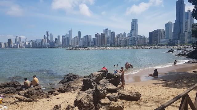 Proibido pessoas na Praia de Balneário Camboriú