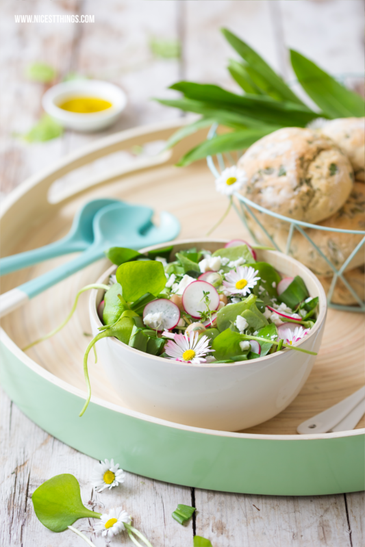 Bärlauch Brötchen backen Bärlauchbrötchen Rezept Thermomix Frühlingssalat #salatrezepte #bärlauch #brötchen #bärlauchbrötchen #thermomix #bärlauchrezepte #brötchenbacken