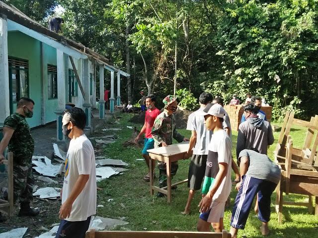 Warga Gotong Royong Rehab TPA/TPQ Nurul Ikhlas Di Desa Karangjambe