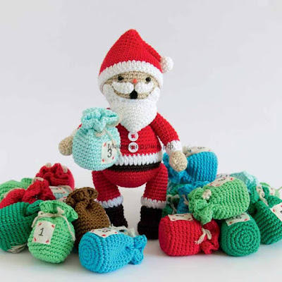 Вязаный крючком Санта Клаус