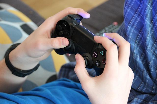 Lakukan Ini Agar Anak Tidak Kebablasan Main Video Game