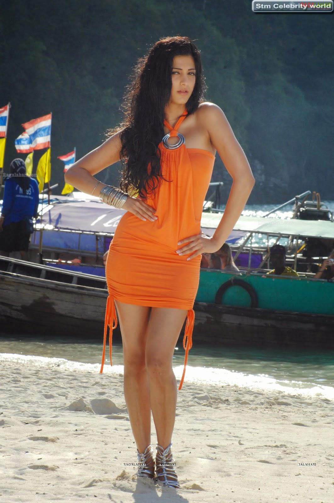 Shruti Hassan Sexy Boobs Pics