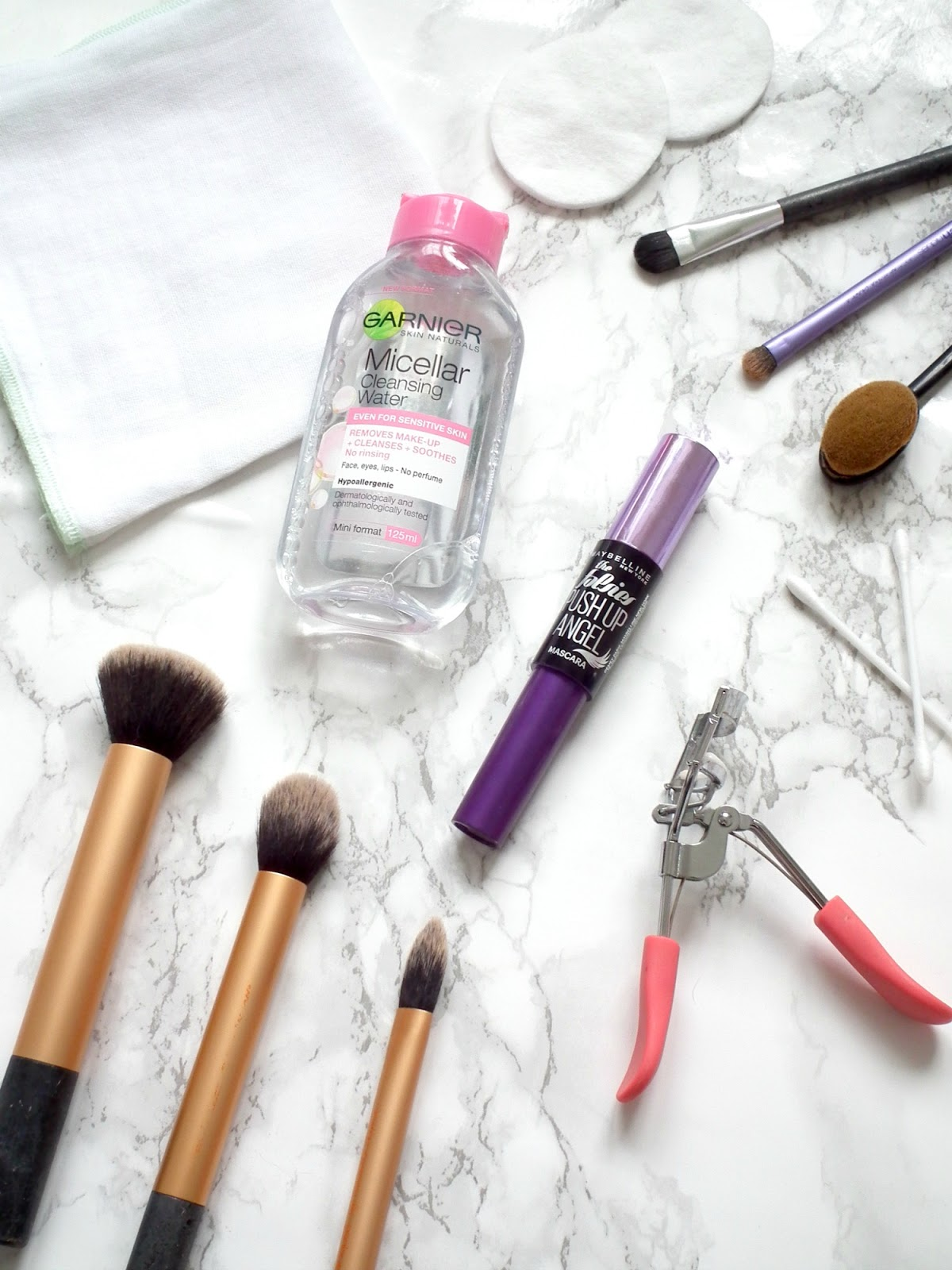 5 Things That Make My Makeup Routine Easier