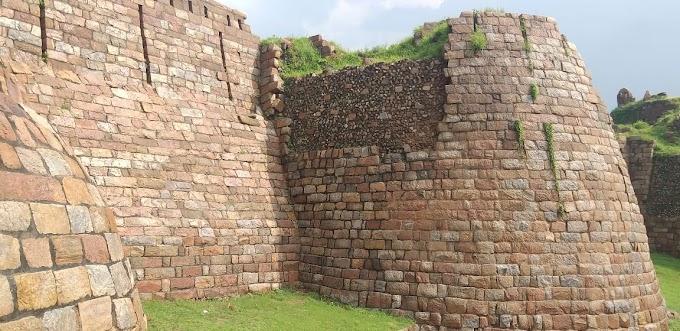 तुगलकाबाद किला व मकबरा का इतिहास(History of Tughlaqabad Fort and Tomb)