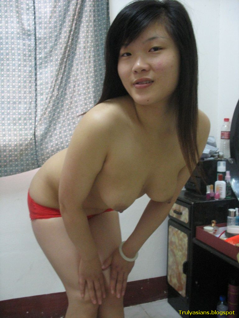 Asian sexy chinese gf dances in lingerie sg singapore 2