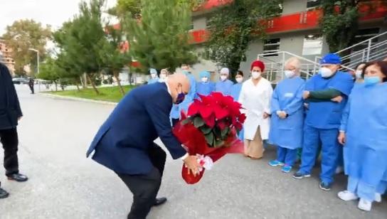 Prime dosi del vaccino in Albania all'inizio del 2021: Edi Rama