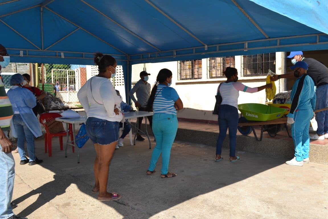 hoyennoticia.com, UMGRD Maicao sigue entregando ayudas a damnificados por ola invernal