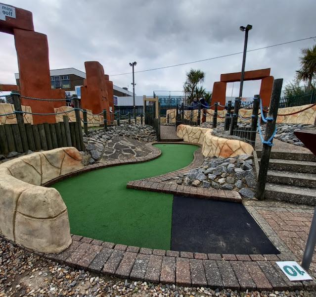 Stonehenge - The BIG mini golf in Hemsby, Norfolk