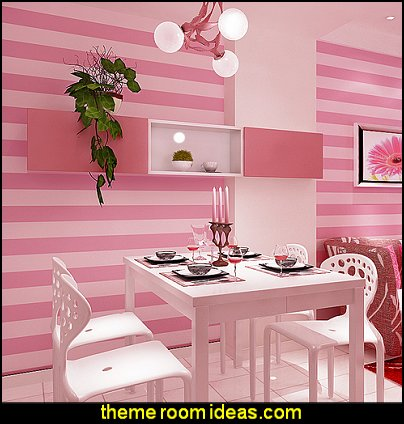 vertical striped wallpaper