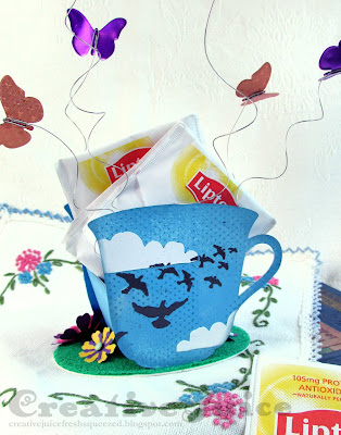Lisa Hoel for Eileen Hull - Celebrate summer with this cute gift container that holds tea bags for iced tea.  #eileenhull #eileenhulldesigns #eileenhullsizzix #ehinspirationteam #eheducators #Sizzix #mymakingstory #diecutting