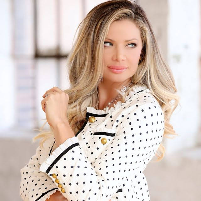 Janelle Pierzina 8