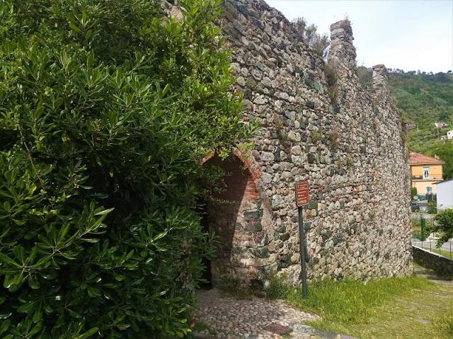 mura di cinta Levanto