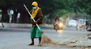 7 Pekerjaan dengan Gaji Kecil Di Indonesia, Perlu Dedikasi Tinggi?
