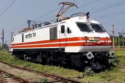 5 passenger electric locomotive