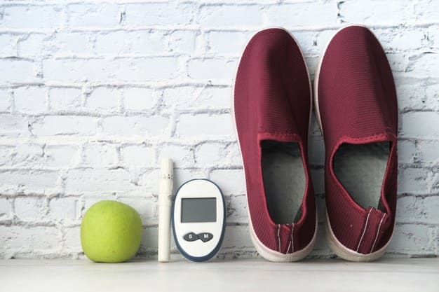 Shoes diabetic .. Why should he buy it at night ?!