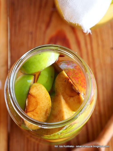 ocet z jabłek , domowa spiżarnia , kuchnia polska , domowe przetwory , zrób to sam , jabłka , najlepsze przepisy ,